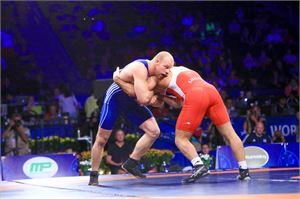 Rami Hietaniemi kamppailee olympiamitaleista kreikkalais-roomalaisen painin 85-kiloisten sarjassa.
