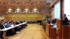 Kokkolan nykyisessä kaupungin valtuustossa on kaikkiaan 51 jäsentä, vaalien jälkeen valtuutettujen määrä laskee 43:een.