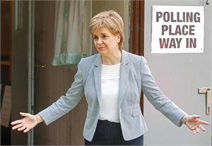 Skotlannin alueparlamentin pääministeri Nicola Sturgeon on ajanut aktiivisesti uutta kansanäänestystä Skotlannin itsenäistymisestä. LEHTIKUVA/AFP