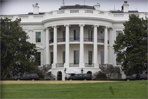 Liki sadan senaattorin kerrotaan aikovan osallistua Pohjois-Koreaa koskevaan selontekoon Yhdysvaltain Valkoisessa talossa. LEHTIKUVA/AFP