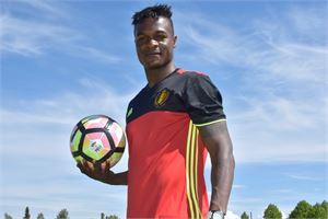 Kongossa syntynyt Washilly Tshibasu vaihtoi spontaanin belgialaisen elämäntyylin jalkapallouraan Suomessa.