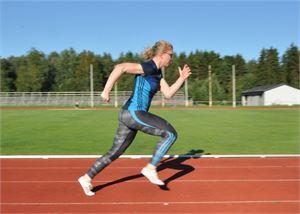 Henriikka Parpala hyppäsi nuorten EM-kisoihin.