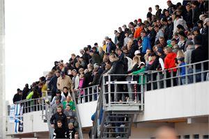 Oulun Raatinsaaren jalkapallostadion tyhjennettiin keskiviikkoiltana stadioniin kohdistetun uhkaussoiton vuoksi. Evakuointi sujui rauhallisesti.