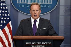 Sean Spicer sanoi, ettei hyväksy presidentti Trumpin nimittämää uutta viestintäjohtajaa. LEHTIKUVA/AFP