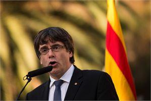 Katalonian aluejohtaja Carles Puigdemont sanoi haluavansa kaksi kuukautta lisäaikaa neuvotellakseen keskushallinnon kanssa. LEHTIKUVA/AFP