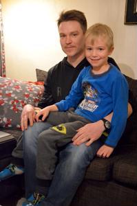 Onnea! Tänään kannuslainen Eemil, 7, saa toivottaa nimipäiväonnea isälleen Antti Hakuntille.