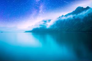Norjalainen yömaisema.