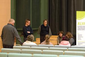 Työryhmissä pohdittiin ihan vakavalla naamalla sitä, miten järjestöjen ja kunnan välinen yhteistyö saadaan toimimaan entistä paremmin.