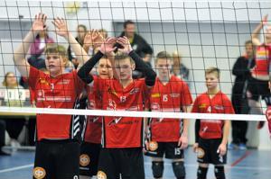 Kakkossija ja sarjanousu. Roiman pojat onnistuivat turnauksessa mainiosti.