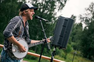 Matias Haaviston soitin suosioon nousseessa Steve 'n' Seagullseissa on banjo.
