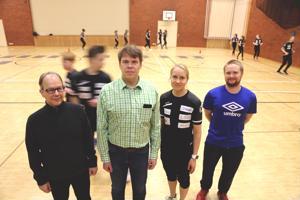 Vetelin Apteekin Jari Kiviniemi, rehtori Tero Lahtinen, liikunnanopettaja Mari Bergdahl ja Keplin Samu Martinmäki ovat kaikki osaltaan vaikuttaneet yläkoulun urheiluakatemian jatkuvuuteen.