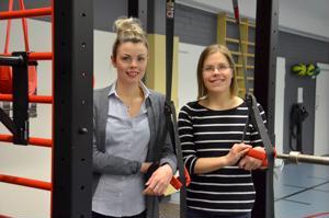 Jatkoa kampanjalle. Liikunnanohjaaja Emilia Hirven (vasemmalla) ja palveluohjaaja Katri Kykyrin mukaan nuorten liiikuntapassit saivat hyvän vastaanoton, ja siksi kampanjaa on jatkettu.