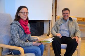 Omaishoitajille tukea. Kannuslainen Marja-Liisa Kattilakoski on aloittanut Kokkolanseudun Omaishoitajien uutena työntekijänä, jonka vastuualueena on etenkin Kannus. Kuvassa myös toiminnanjohtaja Jyrki Jouppi.