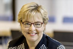 Kosek Oy:n toimitusjohtaja Anne Pesola on tyytyväinen maakuntakeskus Kokkolan vetovoimaan.