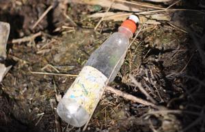 Maailmassa tuotetaan vuodessa yli 90 miljardia kiloa muovia, josta noin 10 prosenttia päätyy meriin.