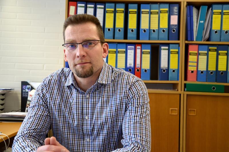 Lomittajien irtisanomisia ei ole tulossa, sanoo lomituspalvelujohtaja Markus Rauma.