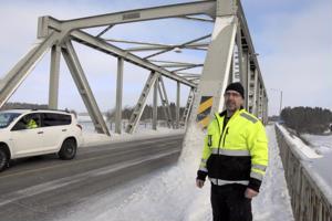 Työmaapäällikkö Marko Kaukolan mukaan Lammassaaren sillassa on terästä 175 tonnin verran. Sen paloiksi hitsaaminen alkaa myöhemmin keväällä.