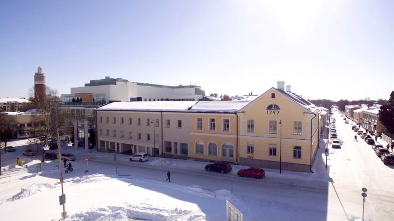 1. Campus Allegro -kortteli. Rakennuksia neljältä eri vuosisadalta.