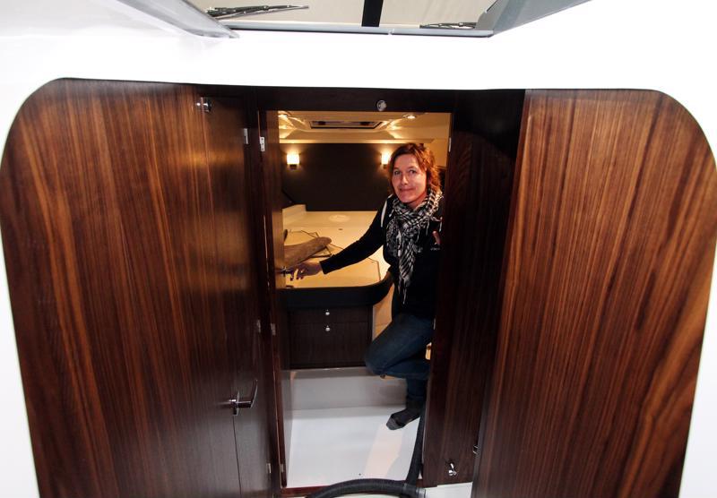 Anna-Leena Luoto työskentelee veneiden parissa, muttei kaipaa itse merelle.