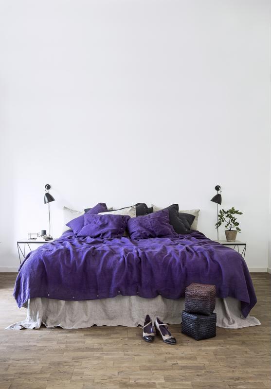Pantone on nimennyt vuoden väriksi violetin. Sillä voi tuoda väriä vaikka kattaukseen.