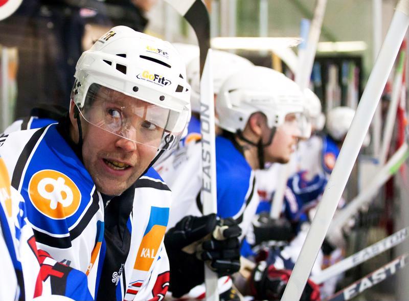 Timo Seikkula ottaa ohjat JHT:n edustusjoukkueen valmennuksessa. Hän päätti kiekkouransa JHT:ssa kauteen 2013-2014.
