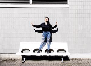 Saara Aalto nauttii suurimmista areenoista. Hän kertoo joutuneensa rakentamaan uransa aluksi tyhjästä ilman levy-yhtiön tukea. Siksi välillä on ollut raskasta ja liikaa töitä.
