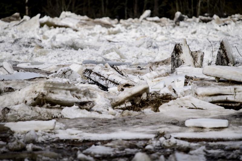 Yksi kevään hankalimmista jääpadoista syntyi Kalajoessa Alavieskan Ylikäännällä.