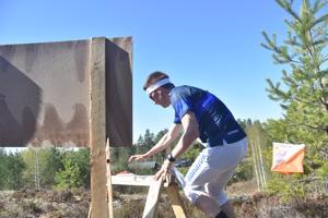 Lauri Oikarinen nosti Vaajakosken Terän ykkösjoukkueen kärkeen viestin toisella osuudella.