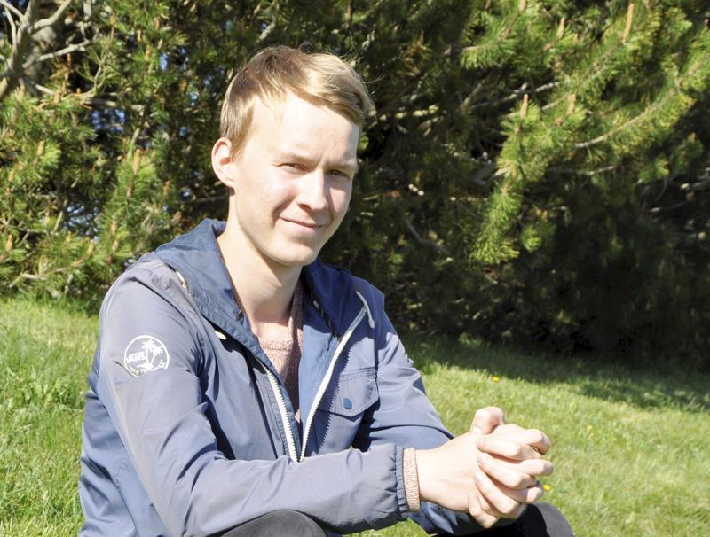 Jasper Jokela kirjoitti Kannuksen lukiosta.