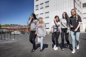 Etelänummen koulun yhdeksännen luokanTaru Lantela, Johanna Blomberg, Nhi Luong, Jonna Hanka ja Mia Holmqvist aloittavat kesälomansa ensi viikolla. Kaikilla on tiedossa kesätöitä.