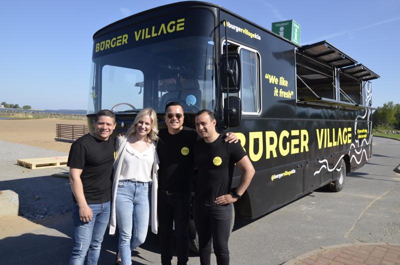Burger Village tuo gourmet-burgereita tarjoavan ruokarekan Meripuistoon.