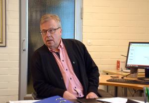 Kunnanjohtaja Olli Ikonen kertoo, että joka kodin valokuidussa häntä huolettavat kunnan takausvastuut.