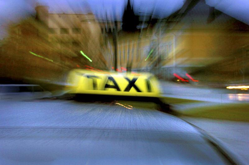 Taksilupien saanti ja hinnoittelu vapautuvat elokuun alussa. Aika näyttää miten muutos heijastuu vaikkapa Soiten kyytipalveluun.