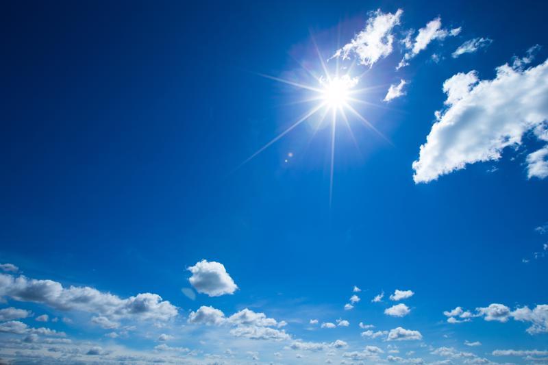 Viikonlopun valmistujaisjuhlissa riittä aurinkoa ja lämmintä.