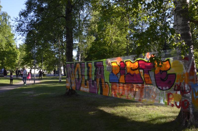 Nollapiste-tapahtumassa pääsi kokeilemaan esimerkiksi graffitimaalausta.