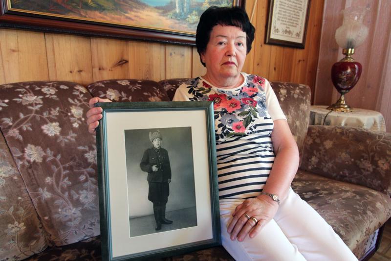 Marja-Liisa jäi sotaorvoksi, vaikka sekä hänen äitinsä että isänsä selvisivät sodasta.