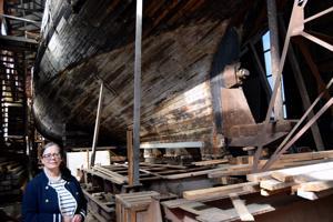 Vega-säätiö haluaa muiden toimijoiden kanssa nostaa Vanhan sataman profiilia. Säätiön edustaja Maria Lunabba mainitsee uusien tuulien puhaltavan alueella. Isot asiat eivät vain tapahdu hetkessä. Anita Salmi