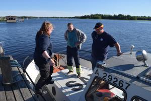 Linda Slatbacka, Jari Kottari ja Tero Laurikkala ovat kolunneet merenpohjia ja laivojen hylkyjä kotimaassa ja maailmalla. Jukka Iiskonmäki