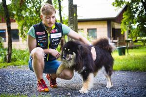 Nivalalaisen Lauri Gummeruksen hiihtoura jatkuu Puijon Hiihtoseurassa.