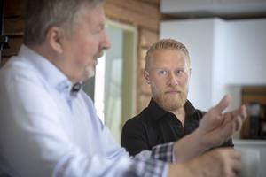 Teollisuusneuvos, itsekin yrittämisellä vaurastunut Jorma Terentjeff on ollut Lauri Salovaaralle merkittävät mentori. Terentjeff kehuu Salovaaran loputonta kykyä ideoida ja innostua asioista.