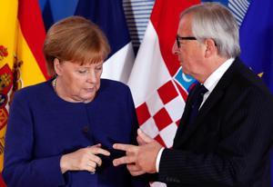 Kokouksen koollekutsuja, Euroopan komission puheenjohtaja Jean-Claude Juncker toivotti tervetulleeksi Saksan liittokansleri Angela Merkelin, jonka toiveesta kokous järjestettiin.