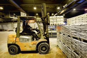 Bolidenin Kokkolan tehtaalle on palkattu tänä vuonna toista sataa kesätyöntekijää.