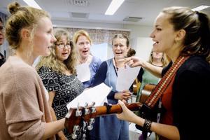 Haapavesi Folk -tapahtumaan kuuluu runsas kurssitarjonta. Selina Sillanpää veti tapahtumassa viime vuonna laulupajaa.
