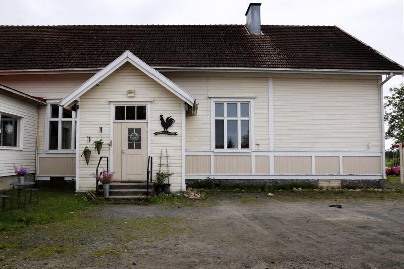 Kalajoen Käännänkylän vanha koulu on laitettu uuteen uskoon koulun loputtua vuonna 2010.