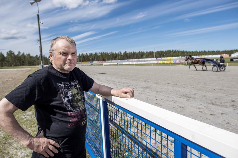 Aarre Virkkala muistaa hyvin Nikulan raviradalla juostavan Pikkupelimanni-kilpailun alkuajat.