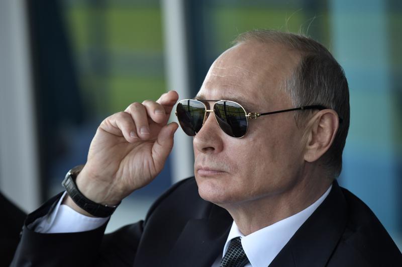 Venäjän presidentti Vladimir Putin ei ole juuri puhunut yksityiselämästään tiedotusvälineille. Presidentin uskotaan menneen naimisiin voimistelija Alina Kabajevan kanssa. Edes väitetyistä kesähäistä ei julkaistu uutista.