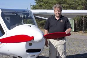 Jorma Heusala lensi Iisalmesta päiväseltään käymään Kalajoella ultrakevyellä koneella.