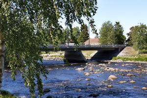 Vesi on ollut matalalla Kalajoessa Kalajoen keskustan tuntumassa jo kesäkuun alusta lähtien.