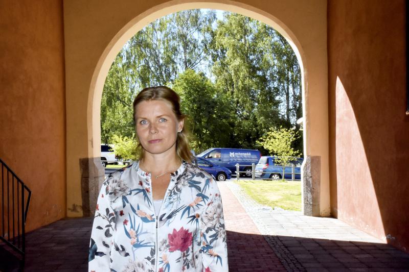 Tiedottaja Heidi Martinlassi valmistautuu Concordian rekrytointitapahtumaan.