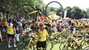 1600 kilometrin matkan jälkeen perille Pariisiin saavuttiin lauantaina 7. heinäkuuta.